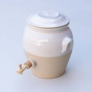 white glaze ceramic vinegar pot