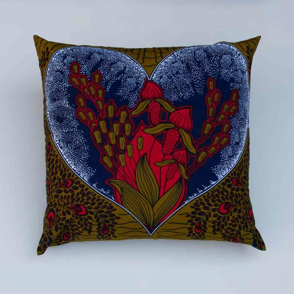 PASCALE HEART CUSHION & FEATHER PAD_1